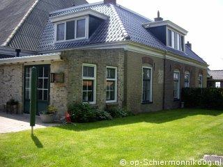 Klik hier voor meer informatie over Vakantiehuis Aude Hûs oost